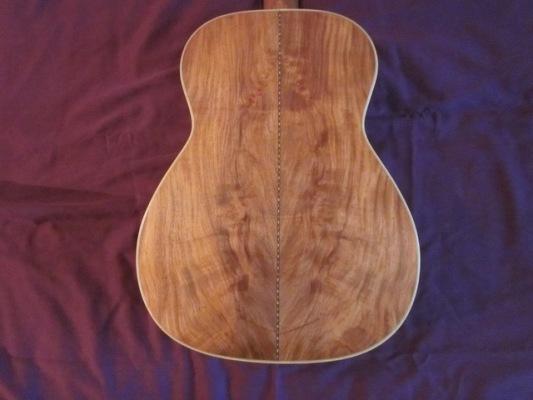 Klassik-Gitarre-Padouk-1-E61C936-F116-4287-877D-DD0EFAA689F7_1_105_c