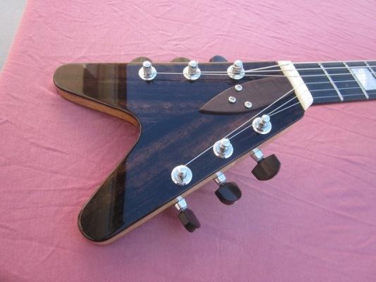 Rock-Flying-V-8-